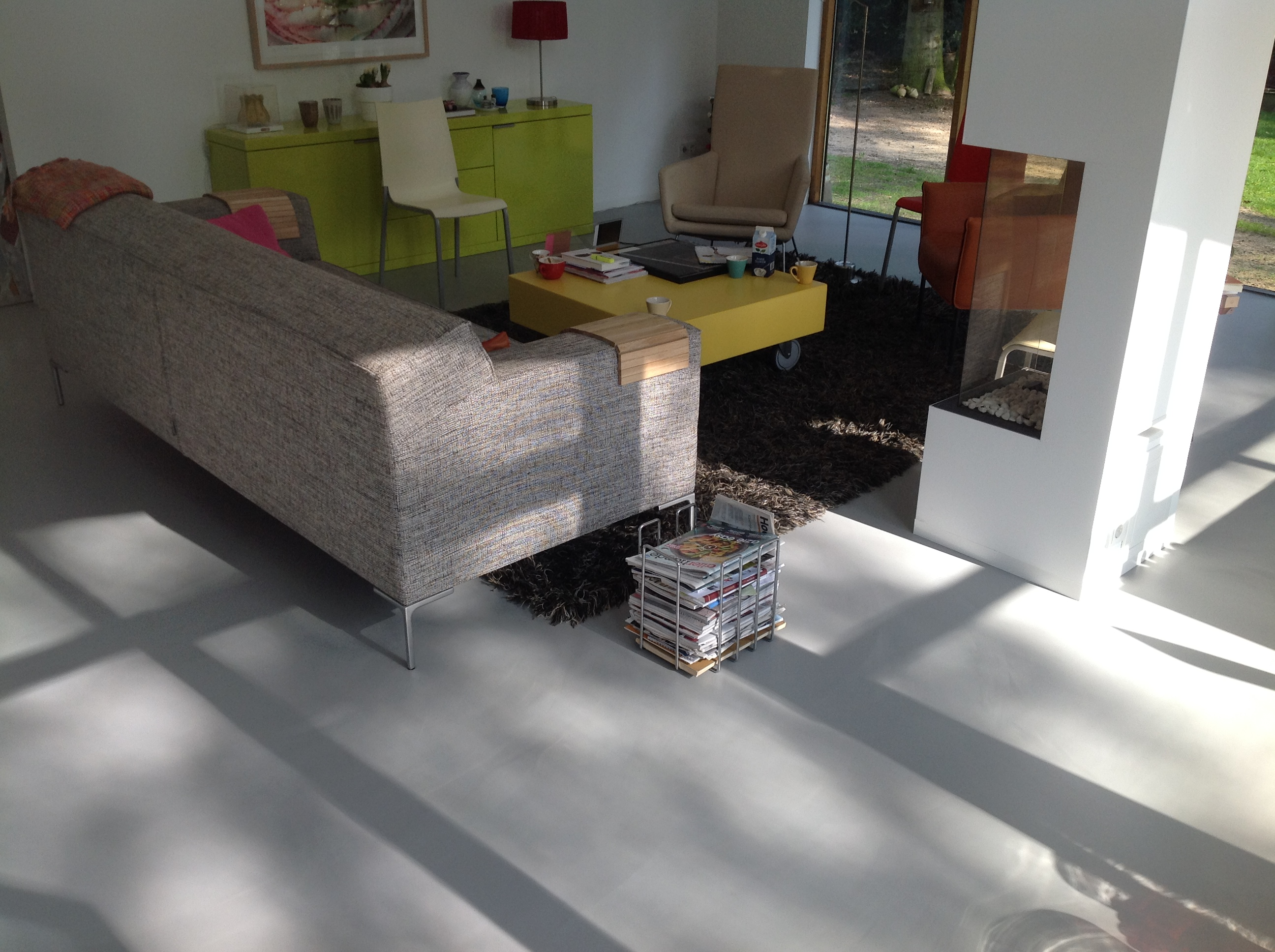 Gietvloer zelf doen of uitbesteden aan een vloerenspecialist?